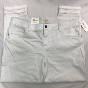Style & Co Bright White Mid Rise Ankle Jeans NWT
